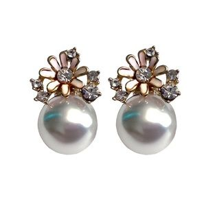 Gold, Pearl and Pale Pink Flower Stud Earrings